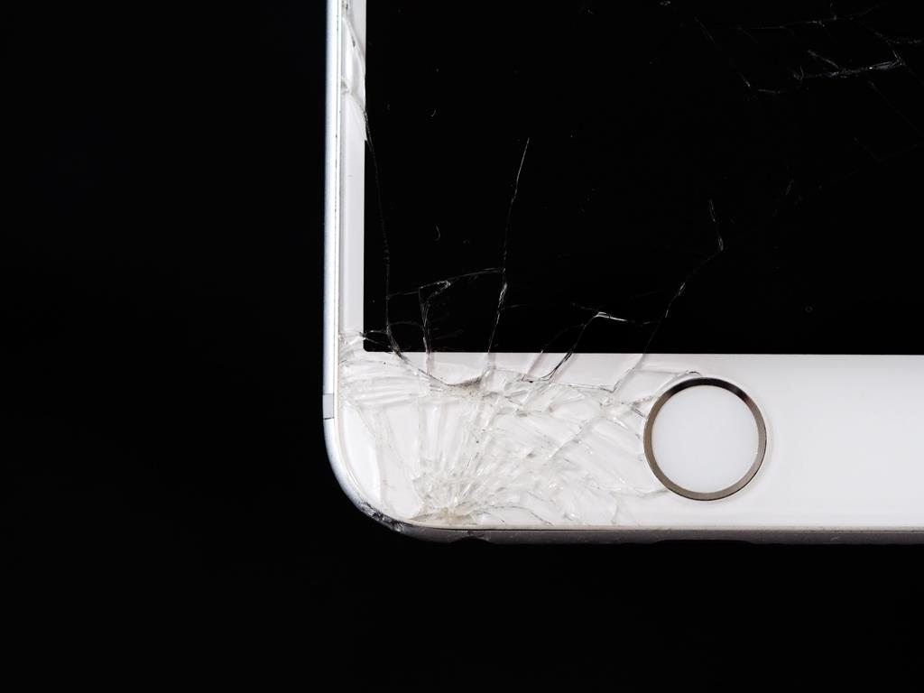 O que fazer se a tela do celular quebrou