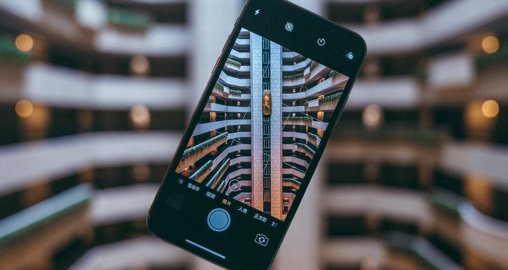 apple iphone caindo com câmera aberta