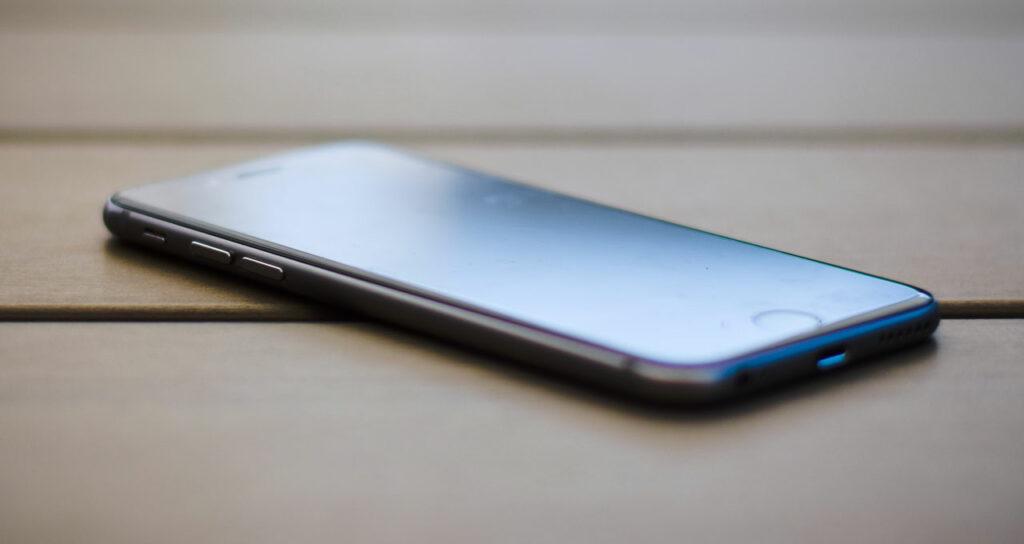 como tirar película de vidro do celular iphone